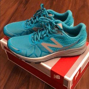 New  Balance vazee runners teal color woman 9